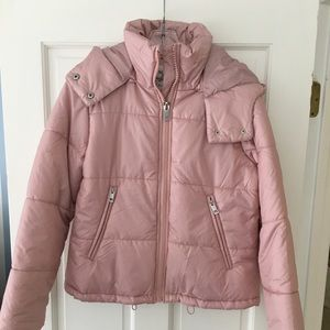 cropped puffer jacket with hood in pink (NWT)